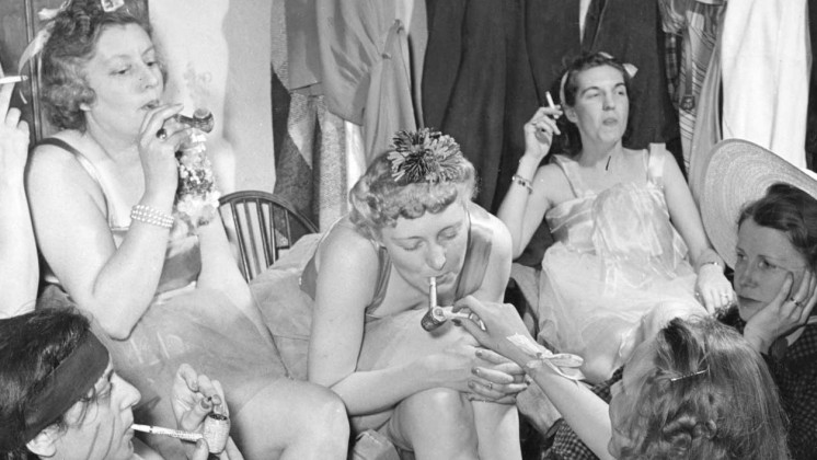 Scenes from a women-only 'smoker' in 1941